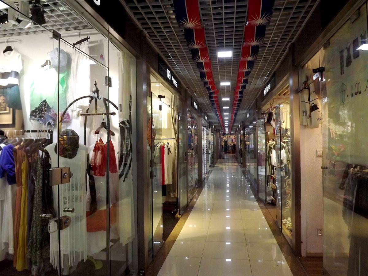 青岛:秀尔. 韩国服装城