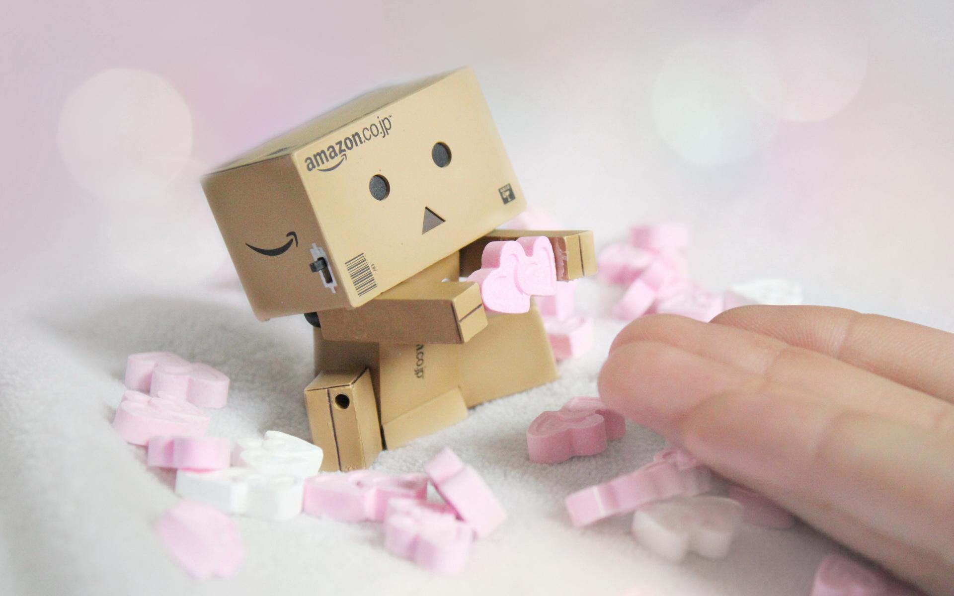 ‖ 分享 ‖ 纸盒人danbo的大图桌面图片